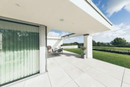 Foto af villa designet af GKV arkitekter. Arkitekturfotografi af ON!AD Grafisk bureau i Aarhus