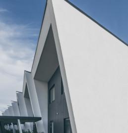Foto af arkitekt tegnet rækkehusprojekt designet af Gandrup Krabbe Vang arkitekter. Colorgrading og arkitektfoto af ON!AD grafisk bureau i Aarhus